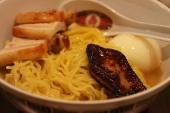 Ramen with Foie Gras, Beef Pork Belly and Soft Boiled Egg | FroomzBlog